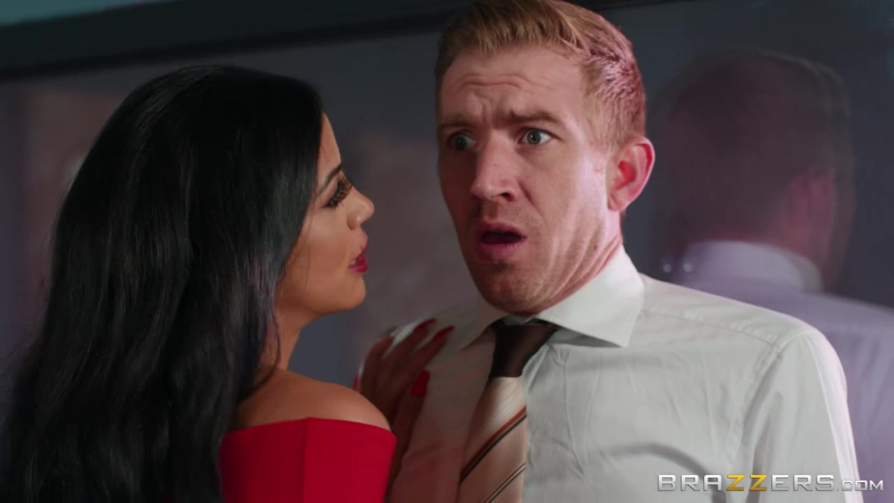 Julia De Lucia convinces Danny D her ass is worth testing