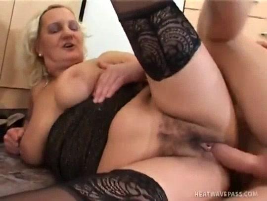 Mature Karla Gets Nailed Nice And Hard blowing cock