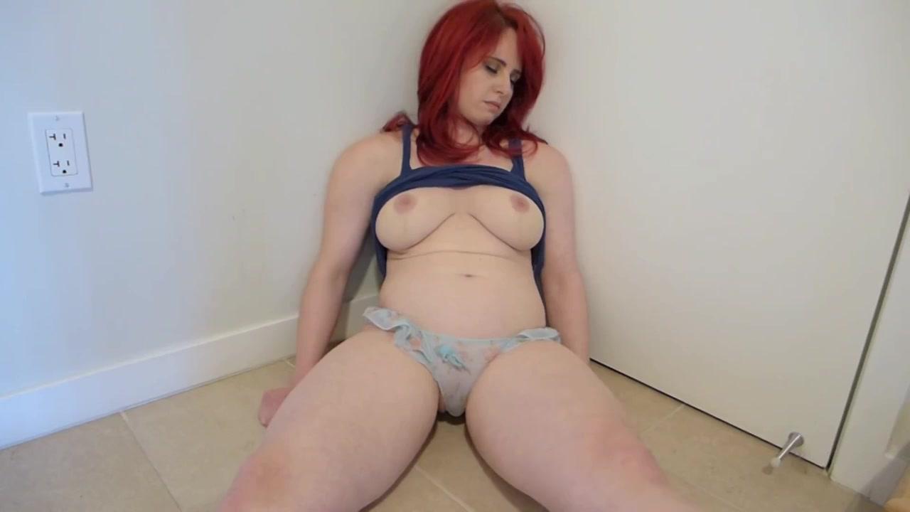 Busty redhead MILF amateur hot porn