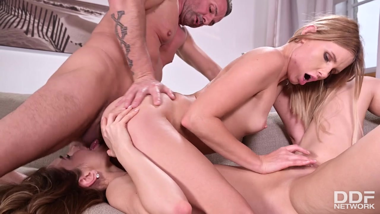 David Perry and Mary Rock - Babes Get threesome hardcore action