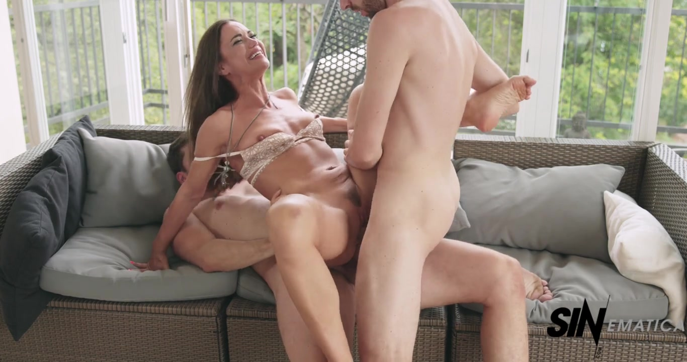 Sexy brunette Sandra Soul in threesome with DP
