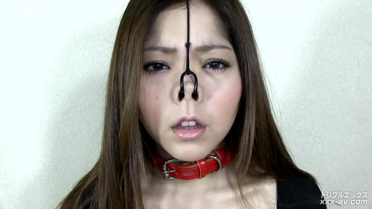 nose hook slave girl / Analdin.com